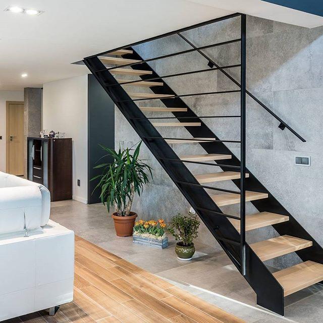 #zlem #zlempl #schody #schodywewnetrzne #dom #inspiracje #interior #nowydom #wystrój #mójdom #nowoczesne #nowoczesneschody #konstrukcjestalowe #schodystalowe #budujemydom #budowa #noweschody #balustrady #balustradywewnetrzne #luksus #luksusoweschody  #stairs #homestair