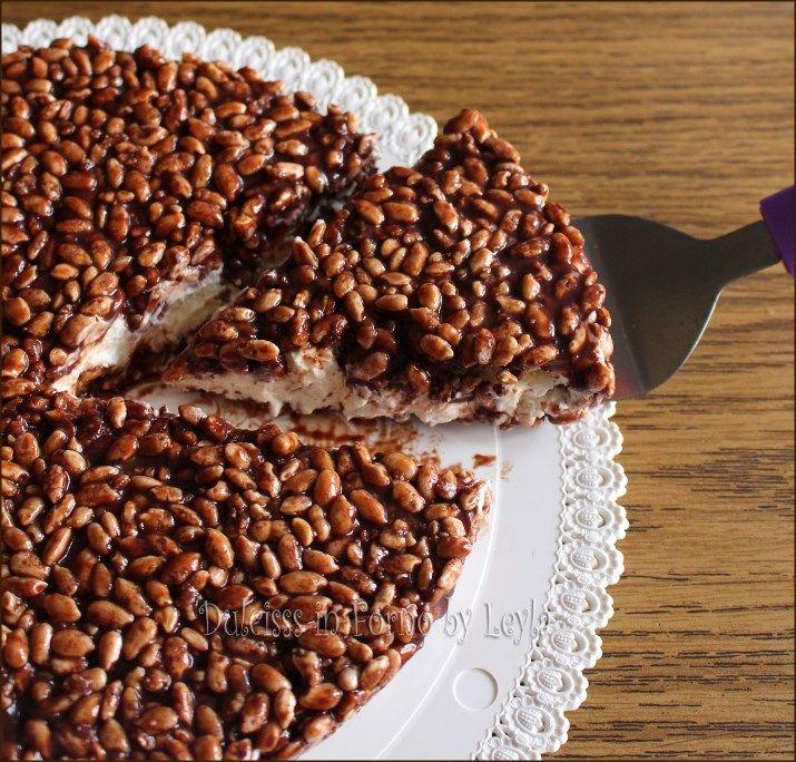 Cheesecake con riso soffiato, nutella e base di biscotti
