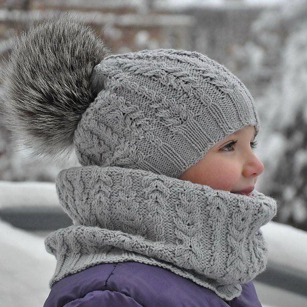 Вязаные спицами шапка и шарфик