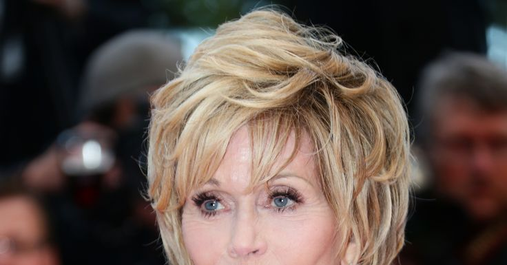 jane fonda hairstyles | Jane Fonda sizzled with a textured hairstyle and loads of mascara at ...