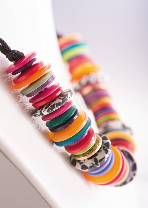 Get kids to practice their fine motor skills by making a simple, colourful choker necklace with buttons of all shapes and sizes. www.essentials.co.za