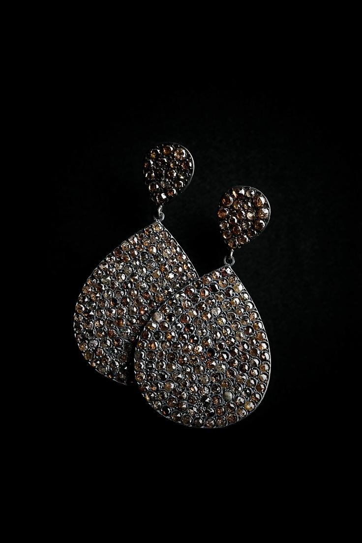 Tear drop rose cut earrings