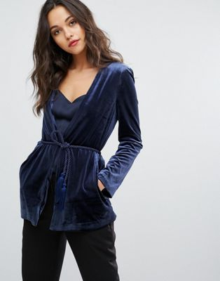 Бархатный пиджак с поясом на талии Vero Moda