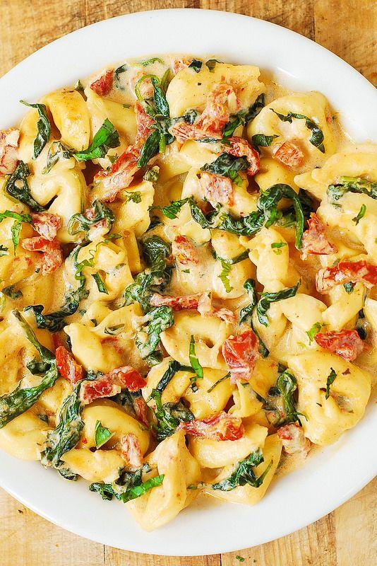 Creamy Mozzarella Sun-Dried Tomato Basil Spinach Tortellini