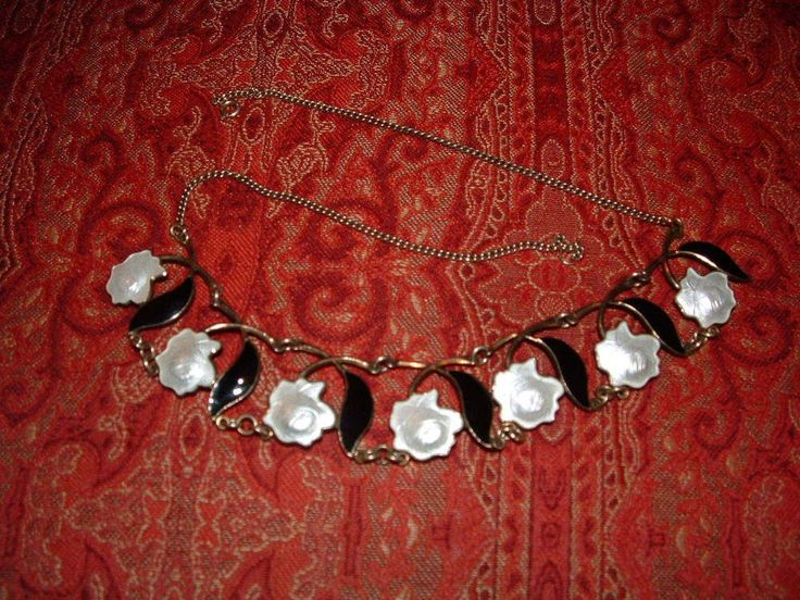 VINTAGE  ARNE NORDLIE NORWAY STERLING & ENAMEL NECKLACE-WHITE ROSES BLACK LEAVES
