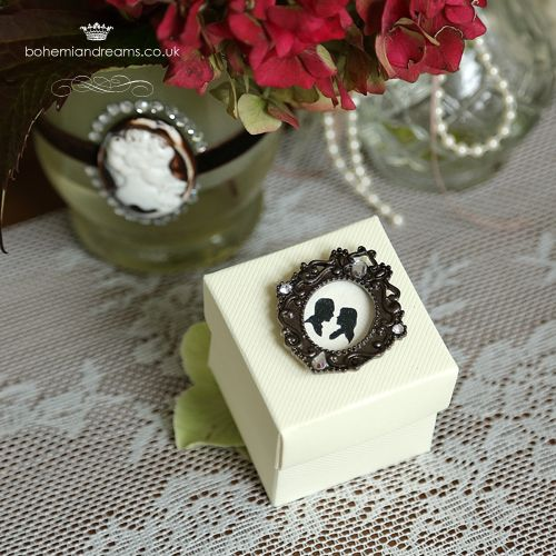 Victorian touch wedding favour box www.bohemiandreams.co.uk