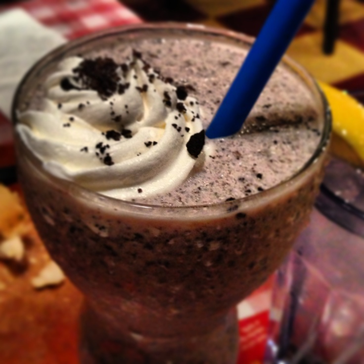 Oreo milkshake from East Side Mario's. Need to find a recipe for this!