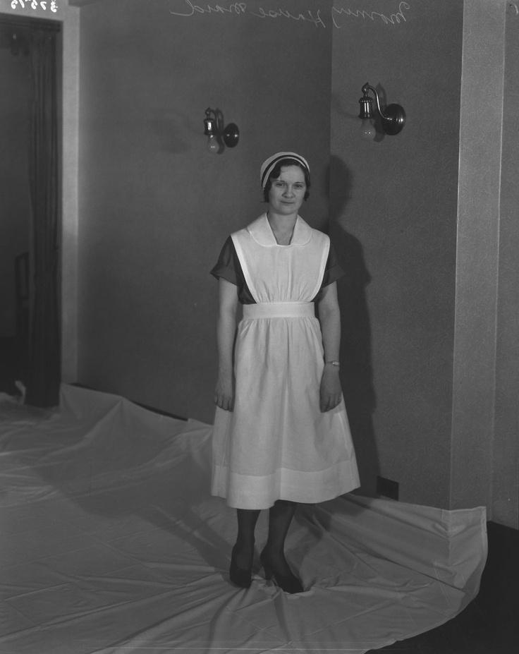 Chateau Laurier - morning house maid uniform. Ottawa, 1933 (CN Railways fonds, LAC MIKAN 3348275)