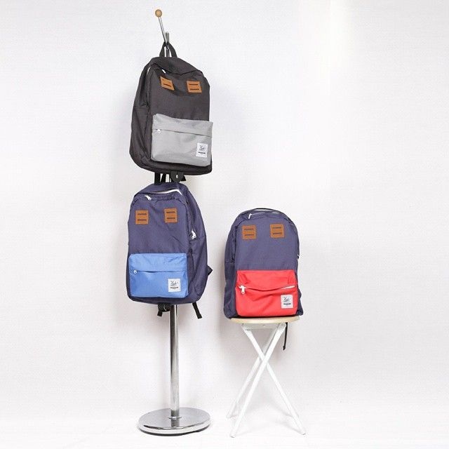 Cub Classic Backpack   IDR 275.000  Special feature: Extrasafe pocket for music player, coins, ticket or stuffs. It's located on your shoulder level. Hidden raincoat   Spesification : - Dimension : 48 x 30 x 18 cm - Material : High Quality Cordura + inner lining torin water repellent. - Large Main Compartment with notebook compartement - 1 zippered pront pocket + 2 side pocket - Shoulder-level zippered pocket - Padded Shoulder Straps - Near-back quick access pocket - Reinforced Waterproof…