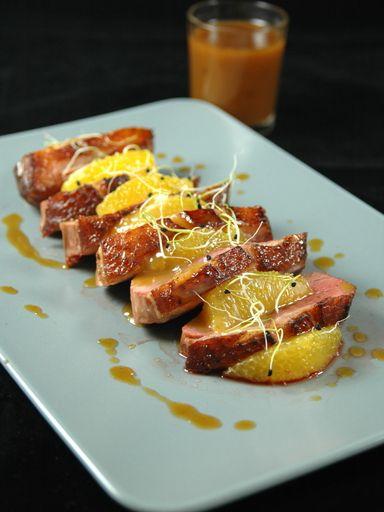 thym, échalote, thé, confiture, jus d'orange, cube de bouillon, huile d'olive, beurre, orange, magret de canard, miel
