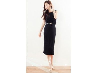 Serenity Dress.  Bahan: Cotton, Free Belt  Lebar Bahu: 34 cm  Lingkar Dada: 82 cm  Lingkar Lengan: 44 cm  Panjang Baju: 111 cm  Berat: 0,26 kg