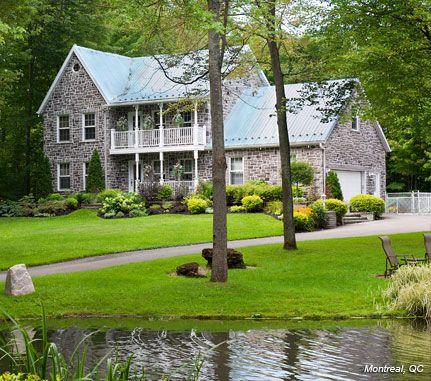 Home Exterior: Grey COBBLEFIELD - Cultured Stone® Brand