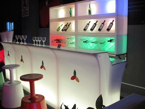 LED Illuminated bar with light box