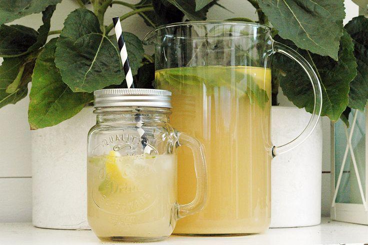 Recept på Ingefärsdricka med citron & mynta. Du gör den samtidigt som INGEFÄRSSHOT på resterna. Recept på bloggen