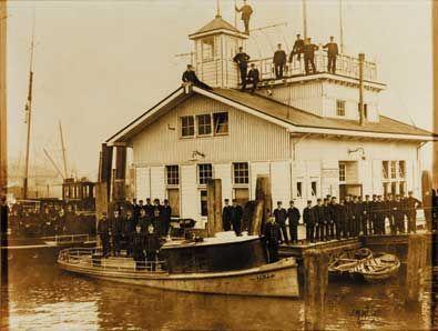 Bureau Veerhaven (1910) is een voormalige politiepost van de rivierpolitie Rotterdam.