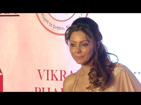 Gauri Khan at Vikram Phadnis's 25th anniversary fashion show.