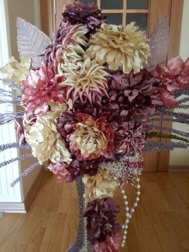 Saten kumaşlardan yapay çiçekler
