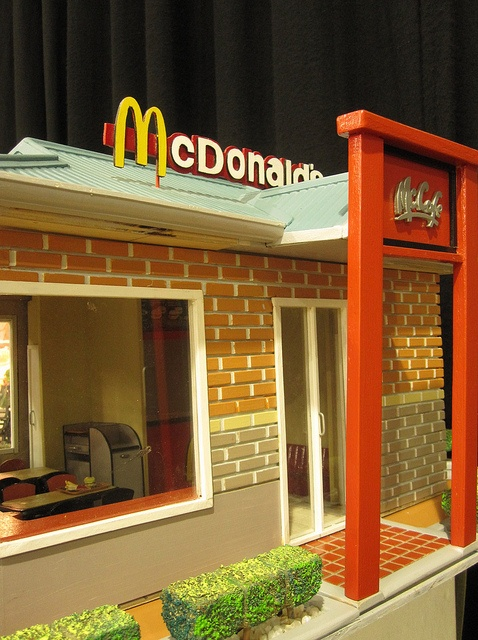 18 best images about mcdonald 39 s on pinterest hot dogs for Cheap indoor play areas