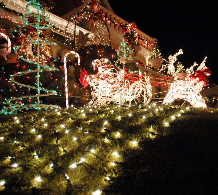 4e0893b2bd33685ef55b58585de31b7d outdoor lighted christmas decorations christmas lights