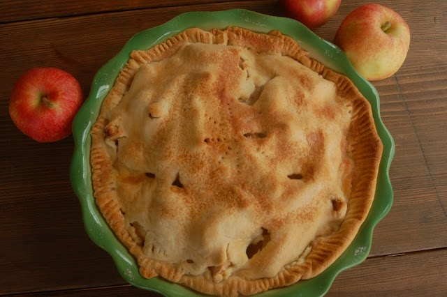 Rose's Pie Filling  (Freezing Apple Pie Filling)  2/3 cup white flour  1-1 1/2 cups white sugar  2 tsp. cinnamon..or to taste  6- 6 1/2 cups fruit, peeled and sliced thin  If freezing: 1 gallon freezer bag  Pour first three ingredients in bag and mix.  Add 6- 6 1/2 cups of fruit, seal, and shake up until well mixed.  Squeeze air out and reseal.  Lay flat and freeze.    To Bake: Put frozen pie filling into crust lined pie dish.  This is a pretty big pie, so be sure to mound fruit in the middle.: Homemade Pies, Apples Pies Fillings, Frozen Pies, Baking Recipes, Bliss Content, Freezers Meals, Freezers Pies, Pie Fillings, Favorite Recipes