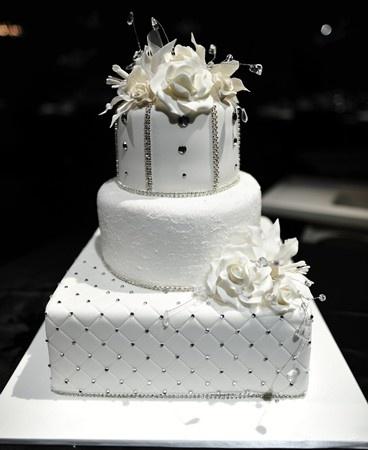 Cake Decorating Oakleigh : 17 Best images about Wedding & Party Cakes 1 on Pinterest Novelty cakes, Fondant wedding cakes ...