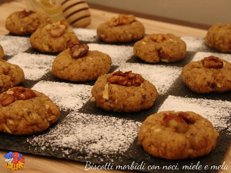 Biscotti+morbidi+con+noci,+miele+e+mela