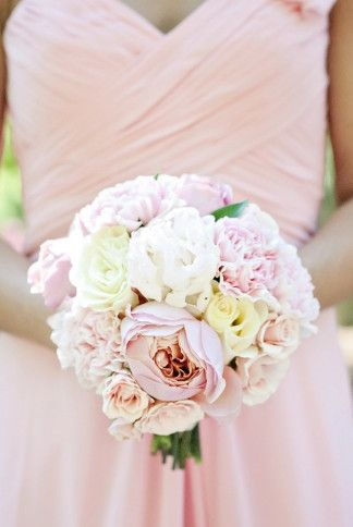 Breathtaking Wedding Bouquet Recipe: Cream and blush peony and rose bouquet. Click to blog for more gorgeous bouquet ideas.