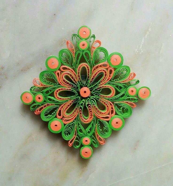 94 best paper quilling mandala kolam rangoli images on for Big quilling designs