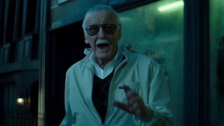"""Todd McFarlane Wants Stan Lee To Make a """"Dark, Snarly, Wife Beating"""" Cameo In SPAWN — GeekTyrant"""