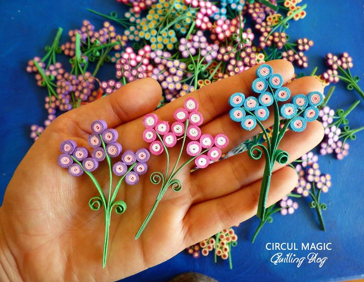 Quilling Paper Flowers by Circul Magic. See more at www.circulmagic.blogspot.com