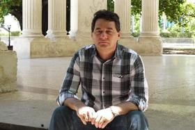 Conversación con el escritor fantasma- Cuba Encuentro – AB Magazine