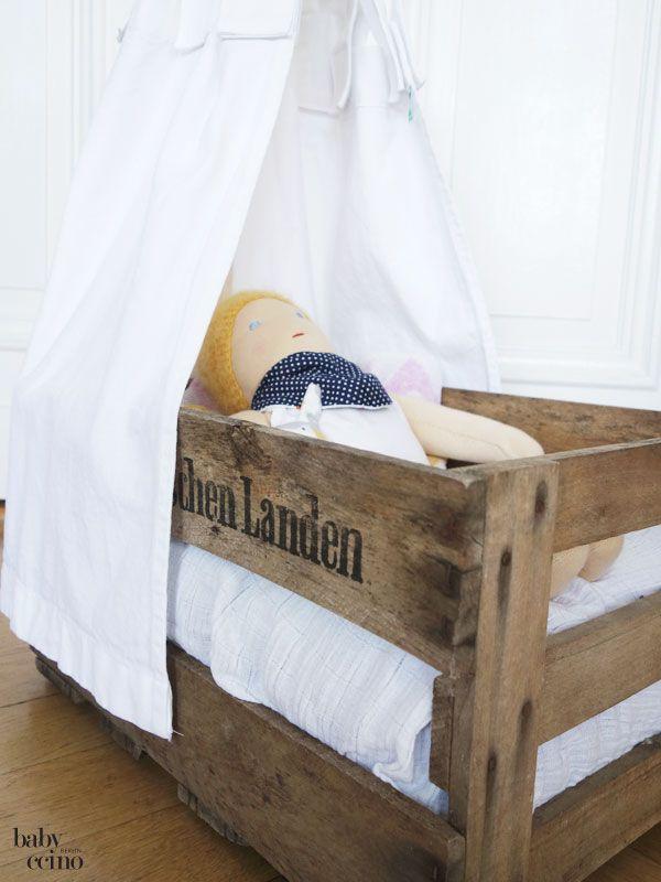 ber ideen zu puppenbett auf pinterest puppenbett holz puppentrage und n hanleitung. Black Bedroom Furniture Sets. Home Design Ideas