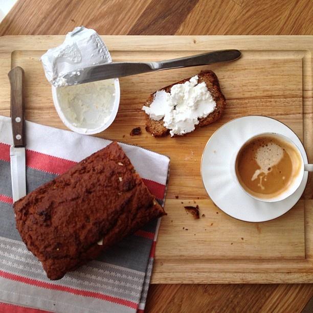 Paleo almond + pumpkin loaf