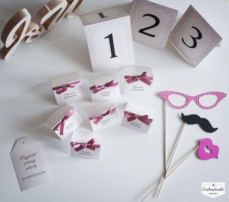 Wedding decorations by Cudowianki. | Dekoracje urodzinowe (winietki, numery stołów, gadżety do fotobudki oraz ozdoba do przybornika dla gości) by Cudowianki.