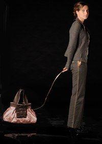 Sandy Blain, accessoires, sacs, La Vie Devant Soie - Ethical fashion show, mode éthique, développement durable, bien consommer - Sandy Blain, créatrice de La Vie Devant Soie, nous dévoile son point de vue. Esprit de sa marque Des sacs, des pochettes et des accessoires très féminins ! C'est du commerce équitable mais c'est avant tout un design très européen...