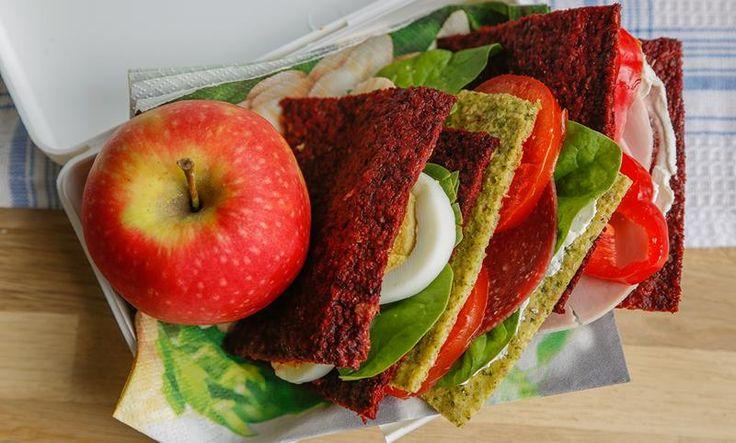 Marias grønnsaksbrød med er perfekt i matpakka, og holder seg ferskt i en hel uke. Prøv grønnsaksbrød med rødbeter, brokkoli eller gulrot!