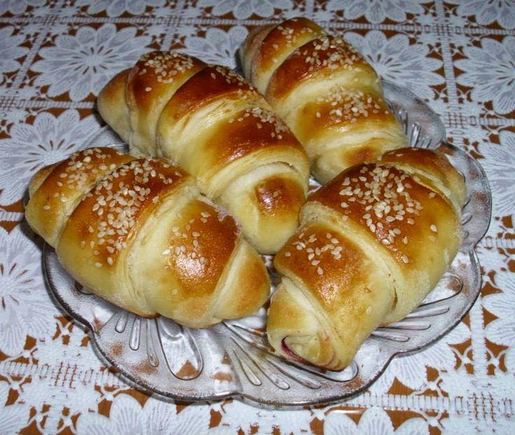 Besa's Albanian Recipes!: Cheese or Marmelade Rolls / Kifle me Djath ose Marmelade