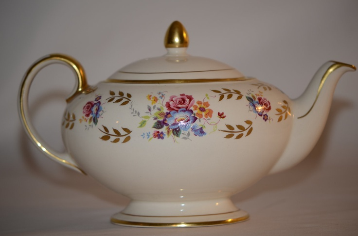 Vintage Sadler Teapot Made in England                  I have this one!