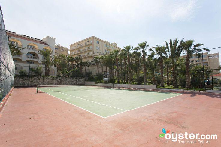 Tennis at the Oscar Resort Hotel