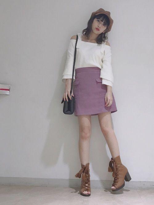 MURUAのスカート「フロントポケット台形スカート」を使った松本鈴香のコーディネートです。WEARはモデル・俳優・ショップスタッフなどの着こなしをチェックできるファッションコーディネートサイトです。