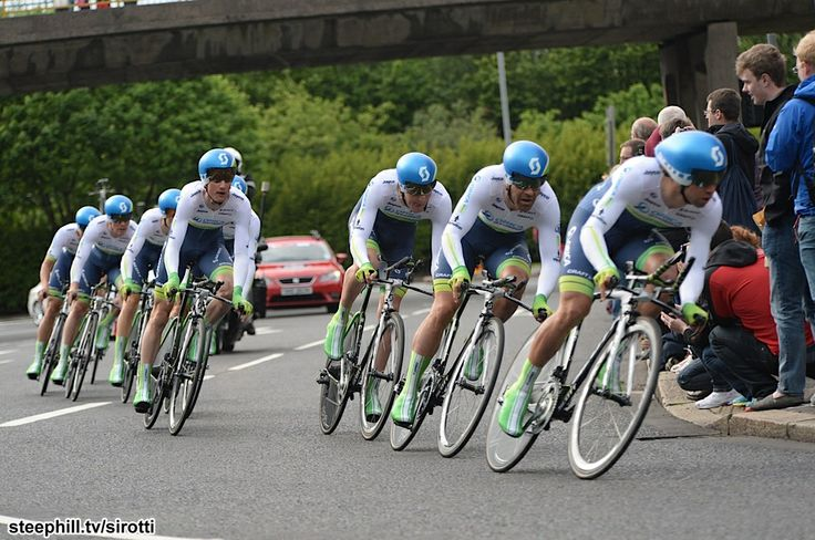 Orica Green Edge takes lead after first stage of the giro de italia 2014.