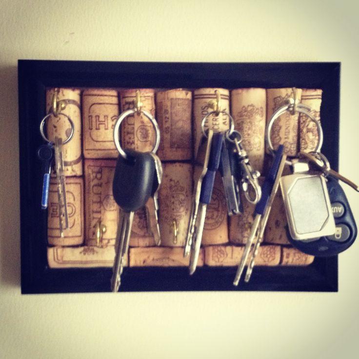 Rolhas de vinho para um lindo porta chaves, decoração criativa que adoramos.
