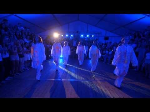 "▶ Avicii Vs Lurgan - ""Wake Me Up"" as Gaeilge - YouTube"