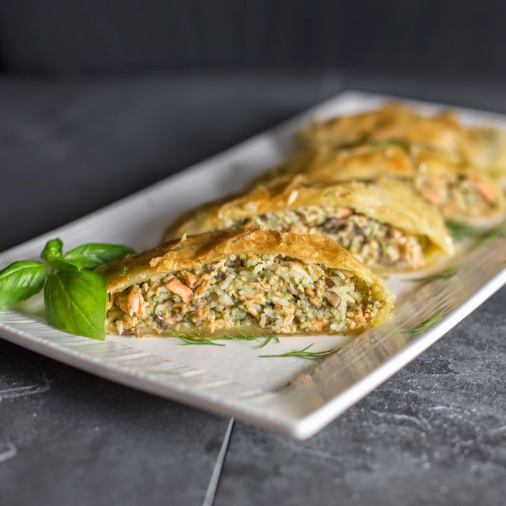 Straight to the Hips, Baby: Salmon in Puff Pastry Dough (Salmon en Croute)