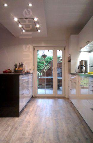 LEICHT-Küche, weiß hochglänzend Leicht, Deckenlüfter O+F Geräte VZUG #Hochglanz #VZUG