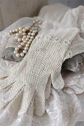 Vintage pearls & gloves