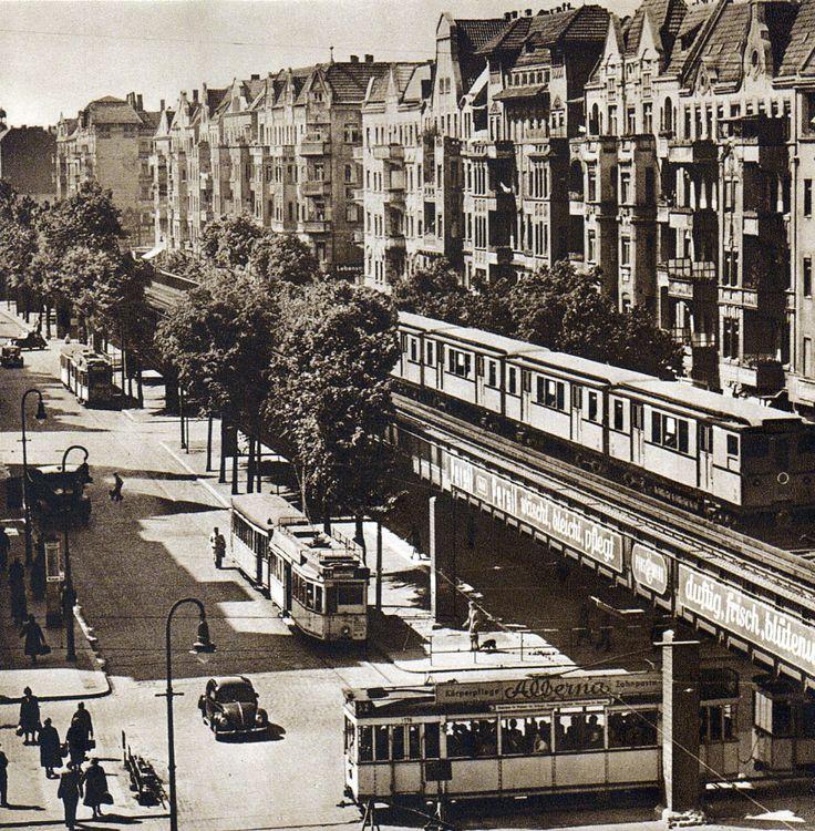 《Berlin, Schönhauser Allee, 1952. Fotograf unbekannt.》
