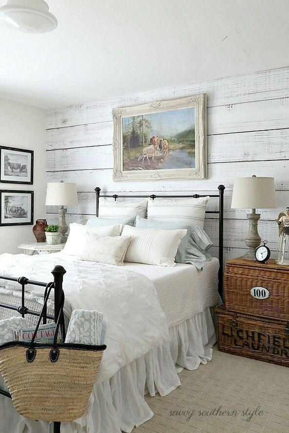 Peaceful, airy room
