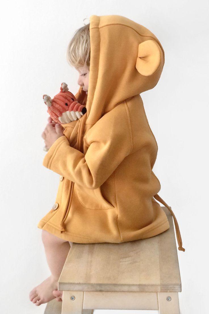 Курточка-мышка с капюшоном, ушками и хвостиком в магазине «Little Acorns» на Ламбада-маркете