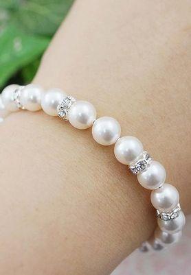 Brazalete de perlas - so pretty!